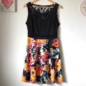 Lace & floral summer dress - size Med - Impress!